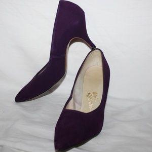 6cd86c39a32d4 Vintage 1960's Miles Fifth Avenue Heels